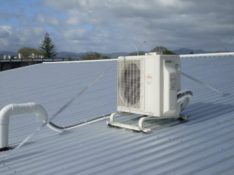 Heat pump unit on a roof